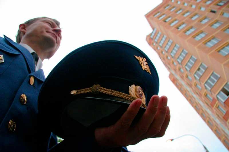 только приватизация квартиры полученной военным пенсионером нарушал общий